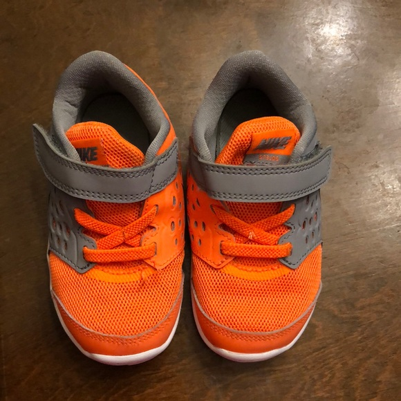 BOGO 50% off~ Orange boys Nike shoes. M 5b9c5be90cb5aab17738913d 8d9a61904